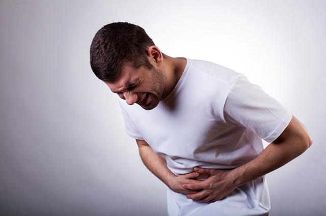 5 sai lầm thường mắc phải khi bị đau bụng mà bạn cần tránh