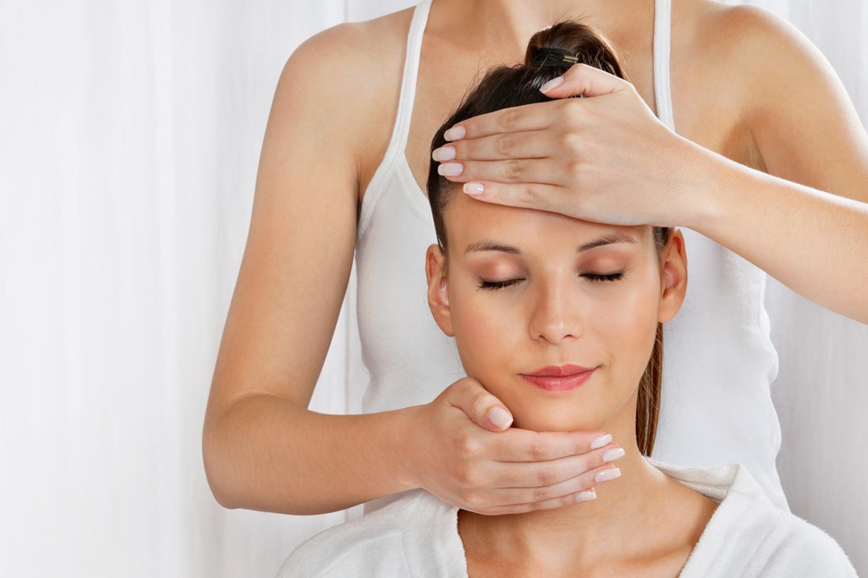 6 động tác xoa bóp giúp giải độc cơ thể, dễ thực hiện trước khi ngủ