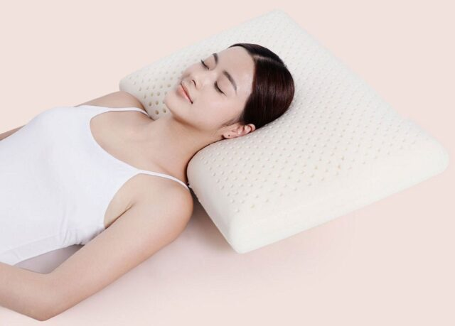 """Chuyên gia da liễu Mỹ chỉ ra 5 quy tắc vàng khi ngủ là """"đồng minh"""" của tuổi xuân và sức khỏe."""