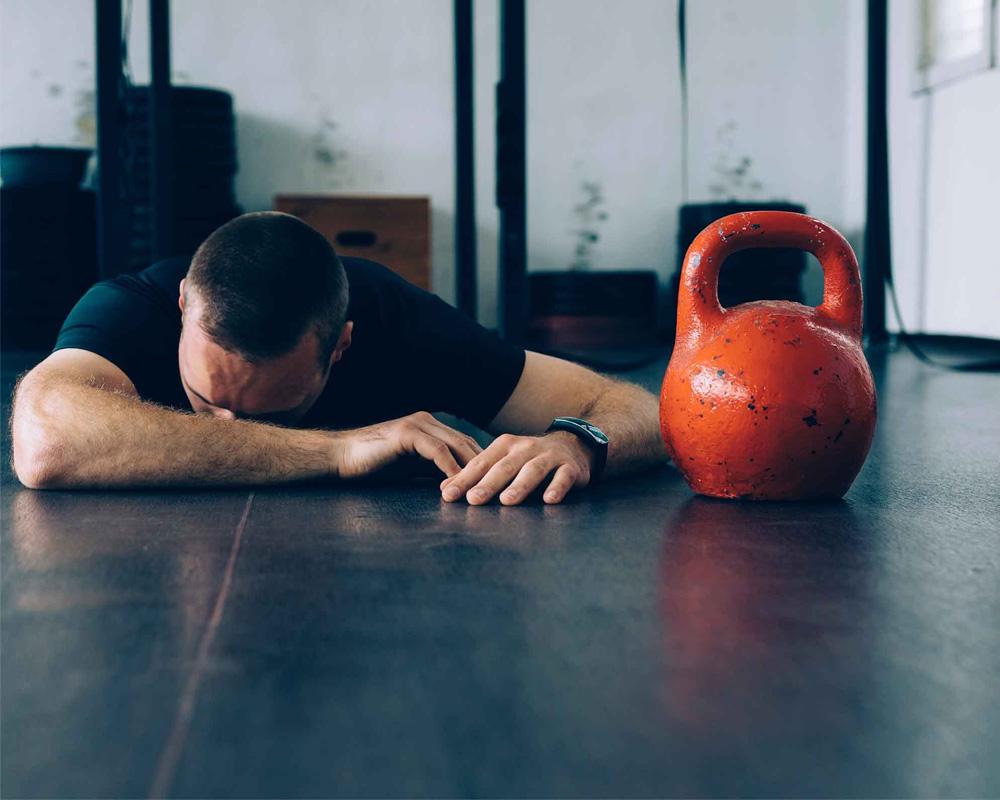 Uống không đủ nước sẽ khiến bạn để ngất xỉu khi tập.