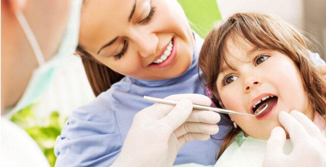 Nếu không chải răng đúng, trẻ dễ bị sâu răng