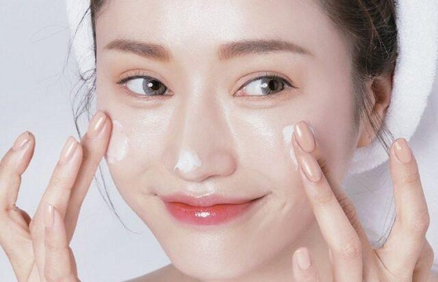 Chị em phụ nữ nên chăm chỉ chăm sóc da mặt hơn