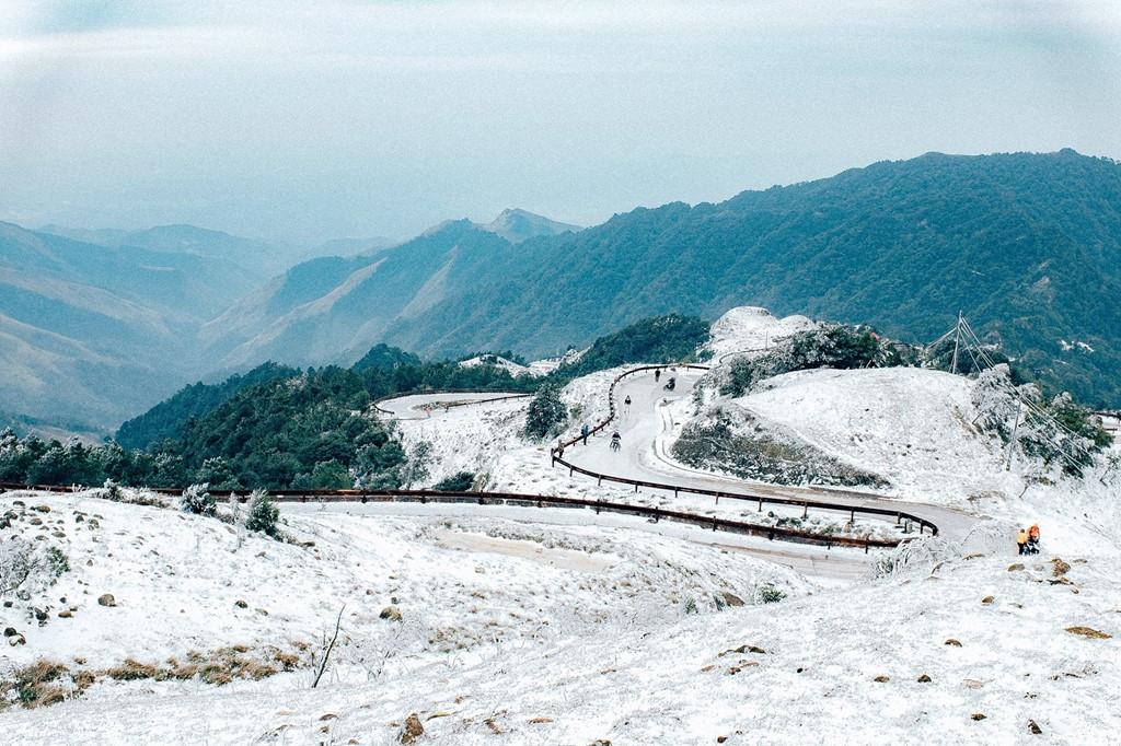 Lịm tim trước cảnh Mẫu Sơn phủ đầy tuyết như trời Âu